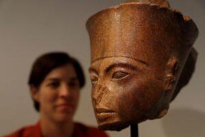 tutankhamun stolen bust christies